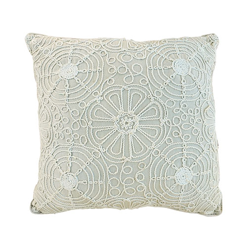 offwhite-macrome-pillow